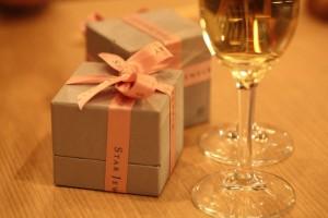 シャンパンとプレゼント